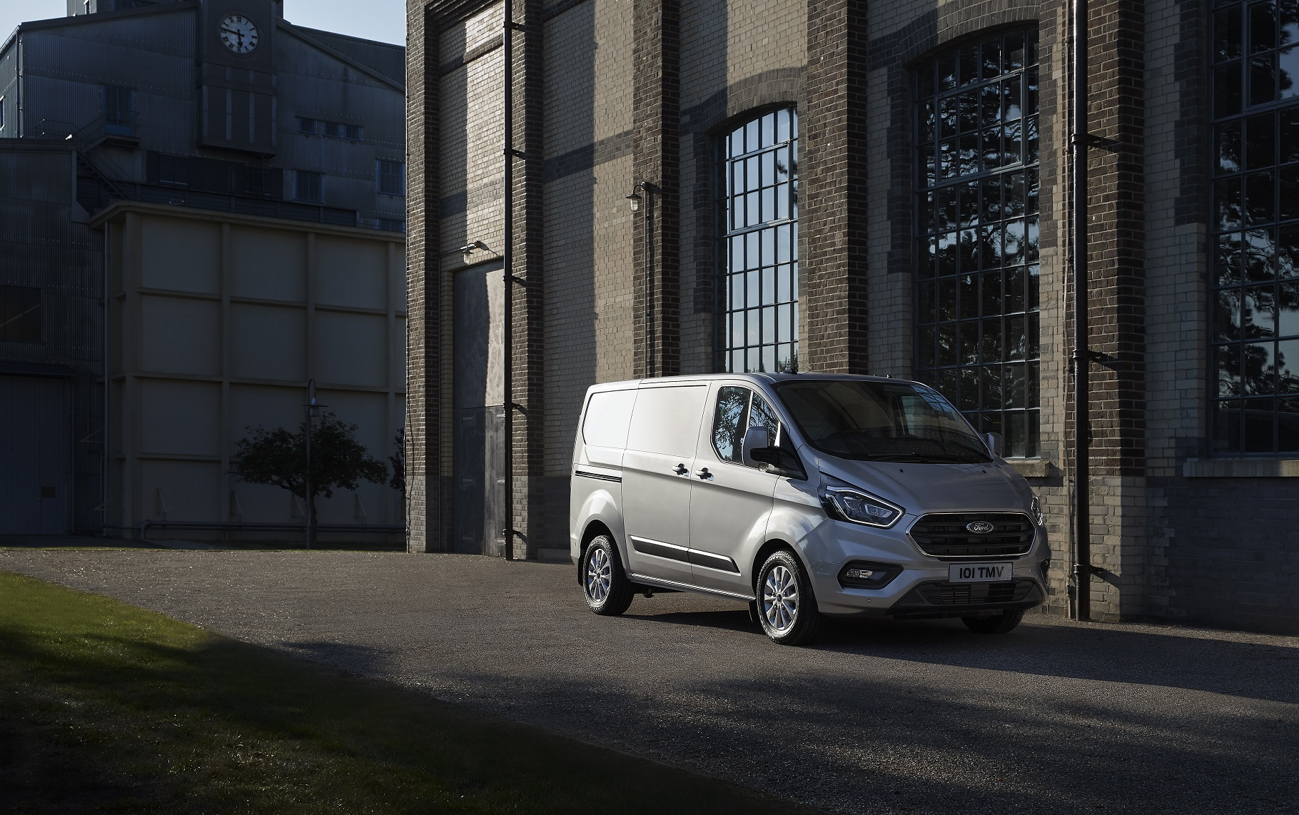 Nuovo Ford Transit Custom plug-in hybrid