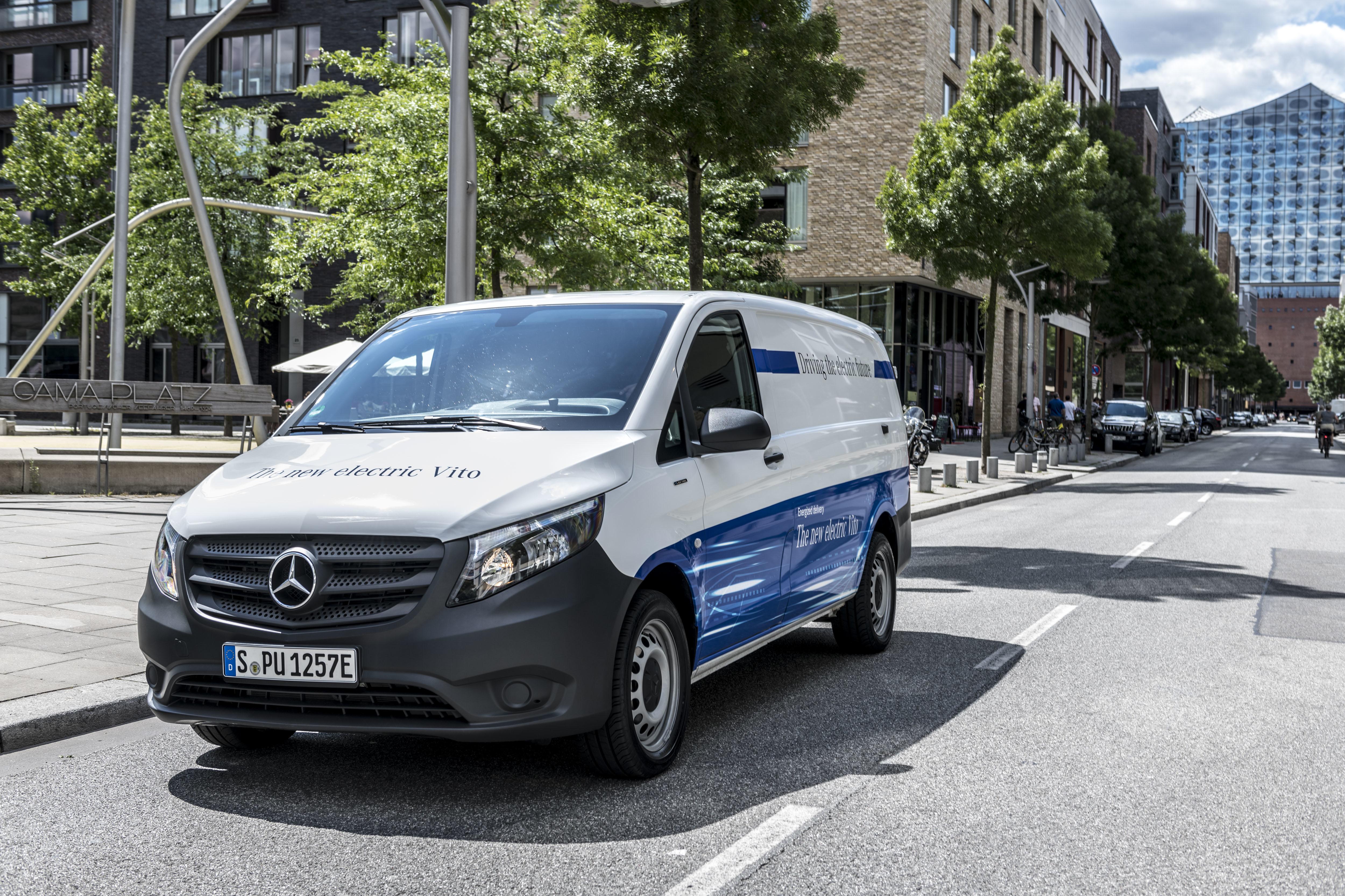 Nuovo Mercedes eVito 2019 su strada