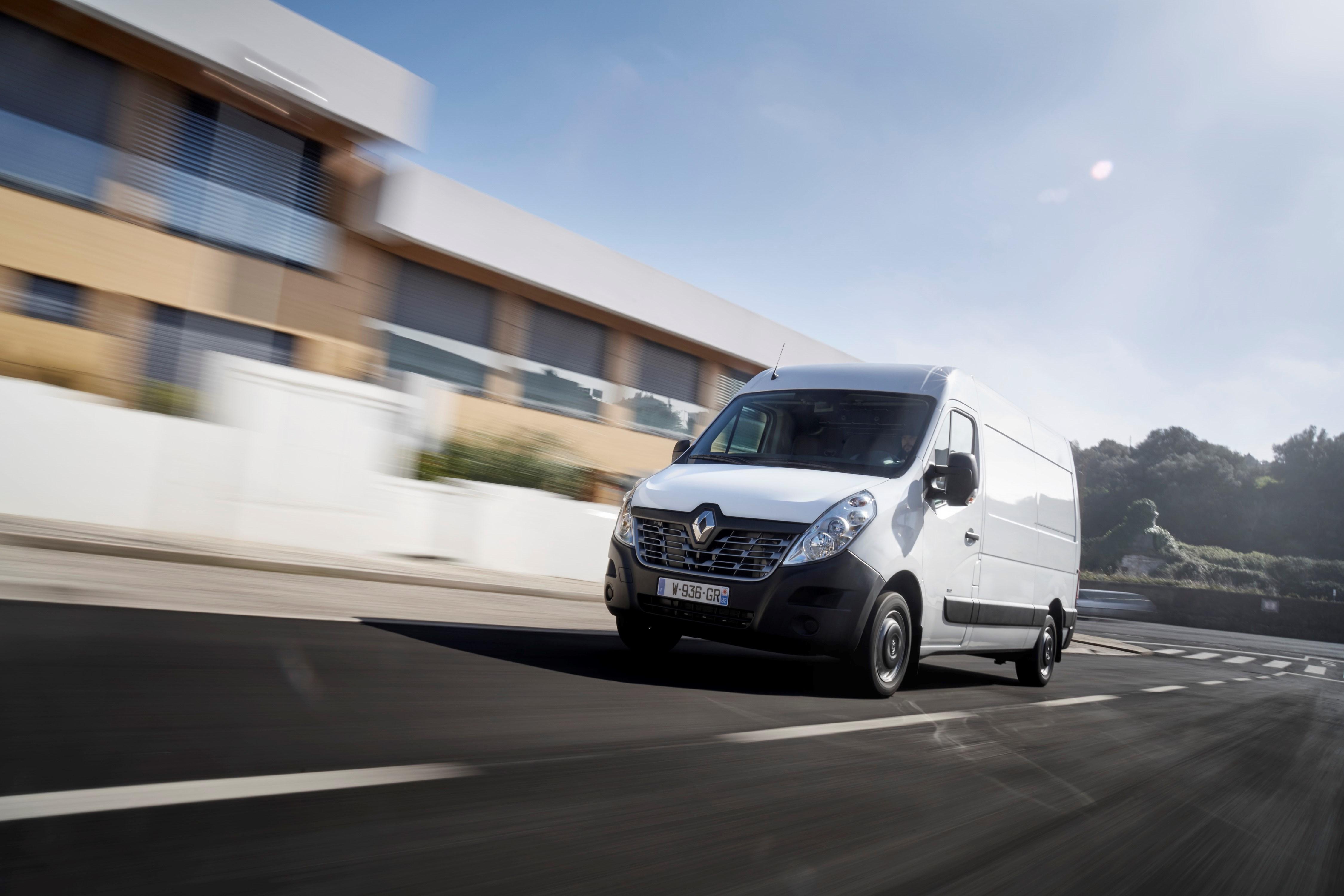 Nuovo Renault Master Z.E. elettrico bianco