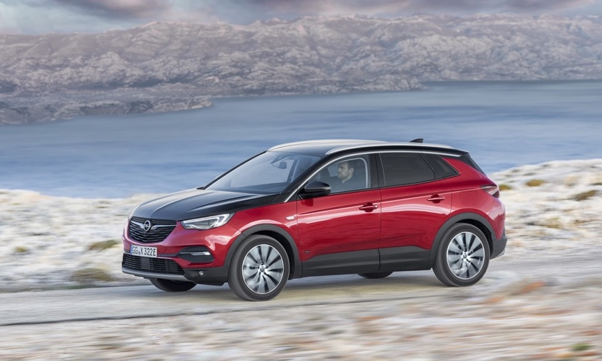 Autonomia di Opel Grandland X Hybrid