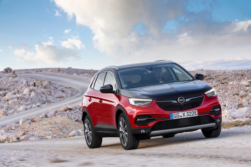 Caratteristiche di Opel Grandland X Hybrid