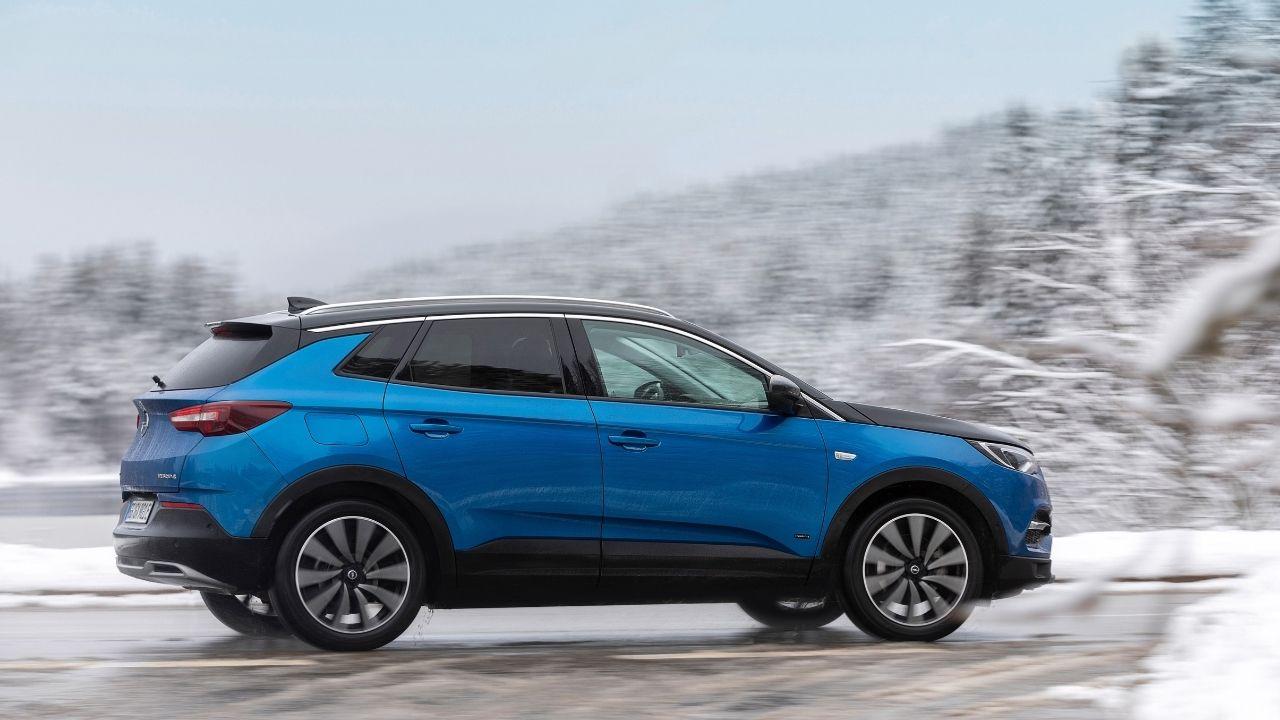 Opel-Grandland-X-profilo