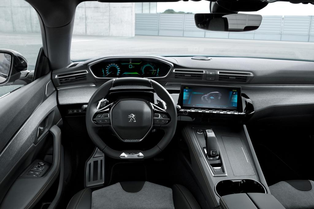 nuova-peugeot-508-hybrid-interni-volante