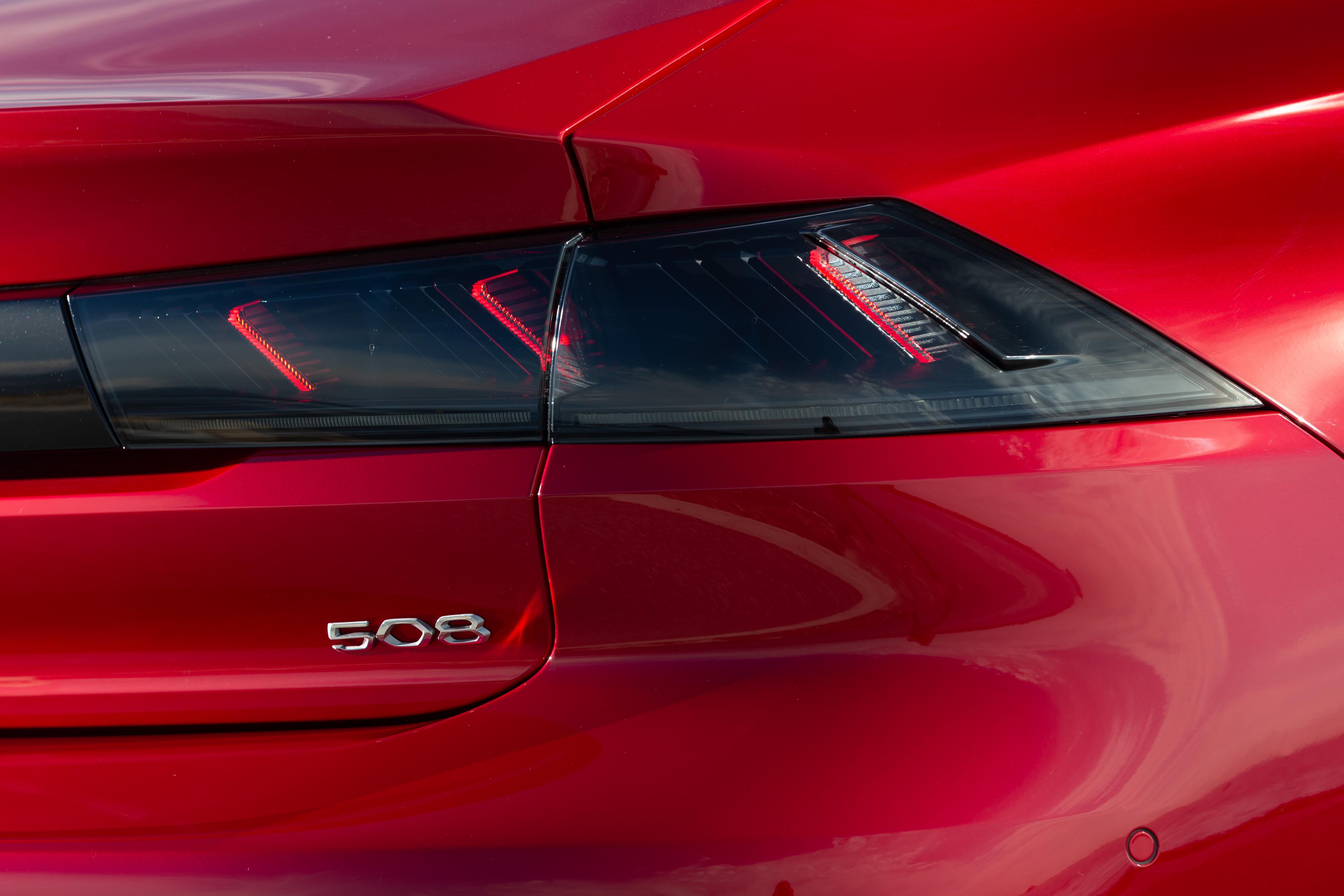 Peugeot-508-fari