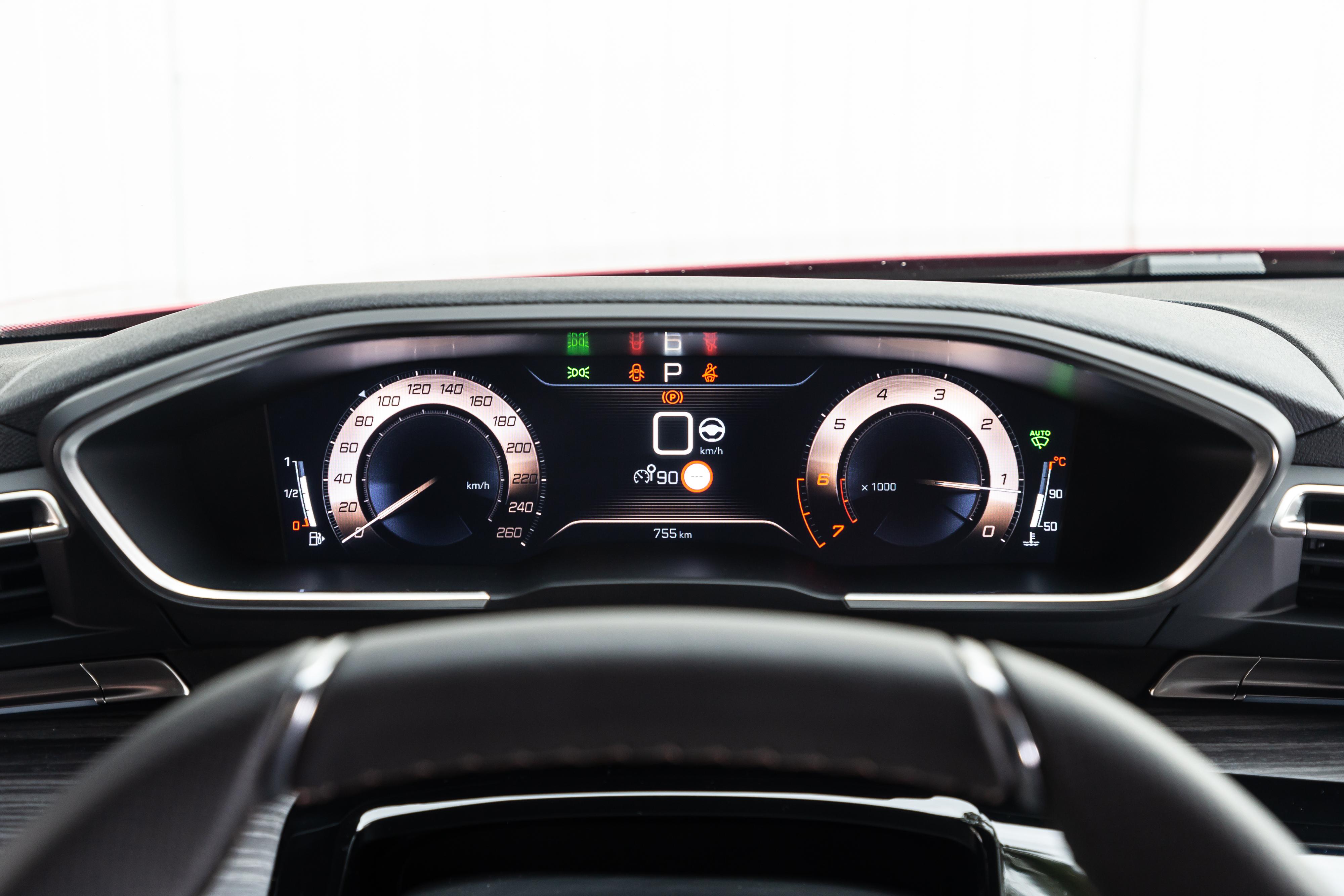 Peugeot-508-quadro-strumenti
