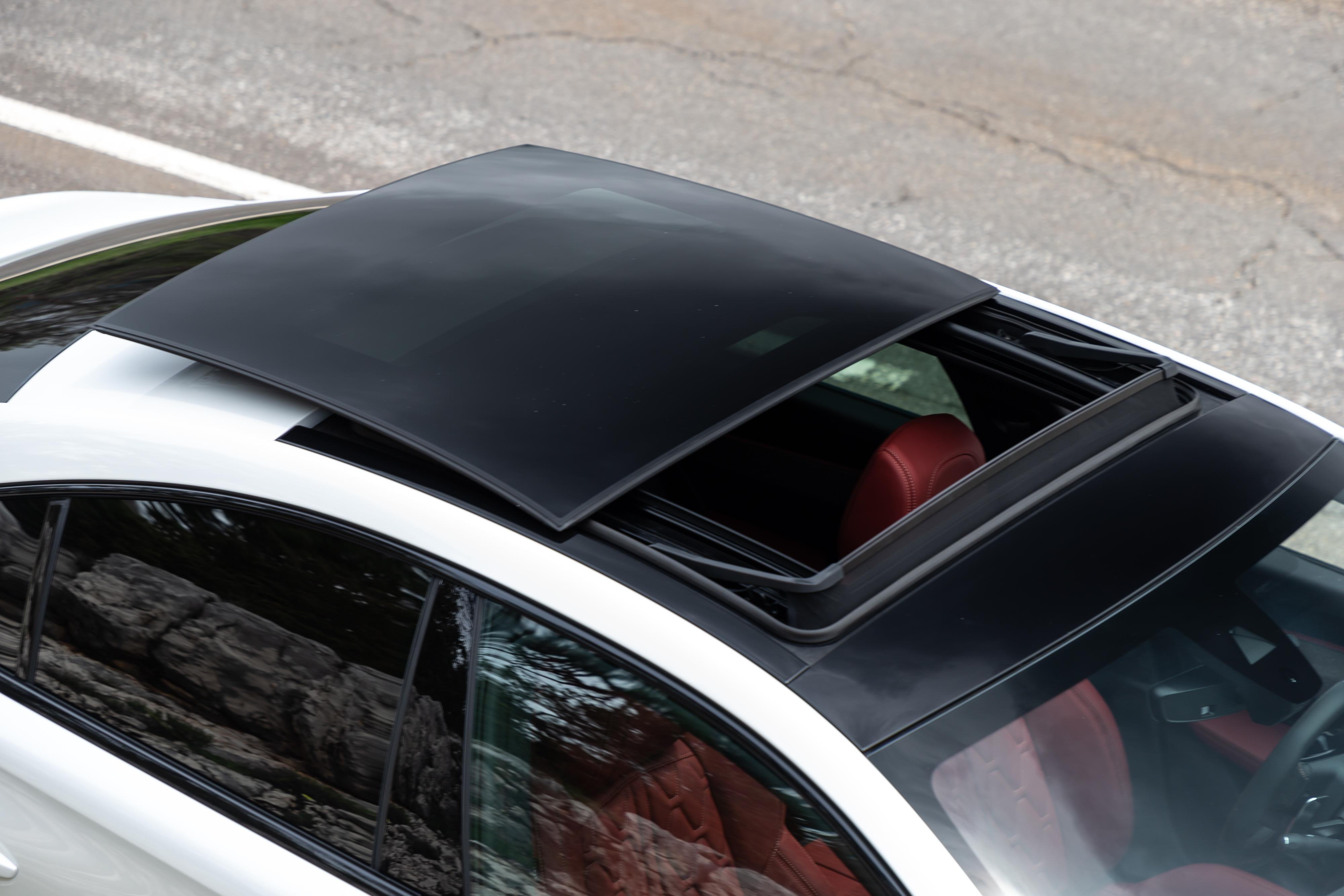 Peugeot-508-tetto-panoramico