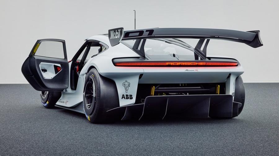 Porsche Mission R elettrica