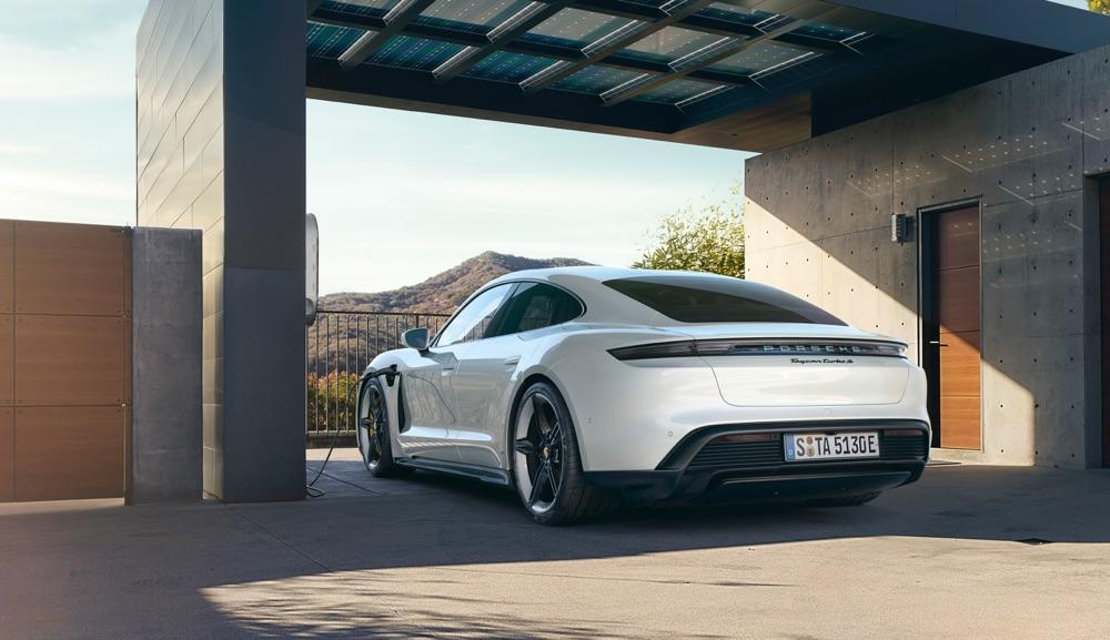 Autonomia di Porsche Taycan