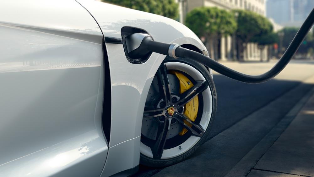 Ricarica di Porsche Taycan