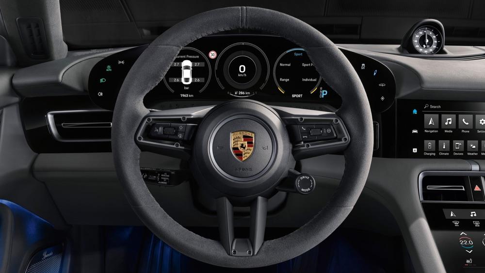 Volante GT di Porsche Taycan