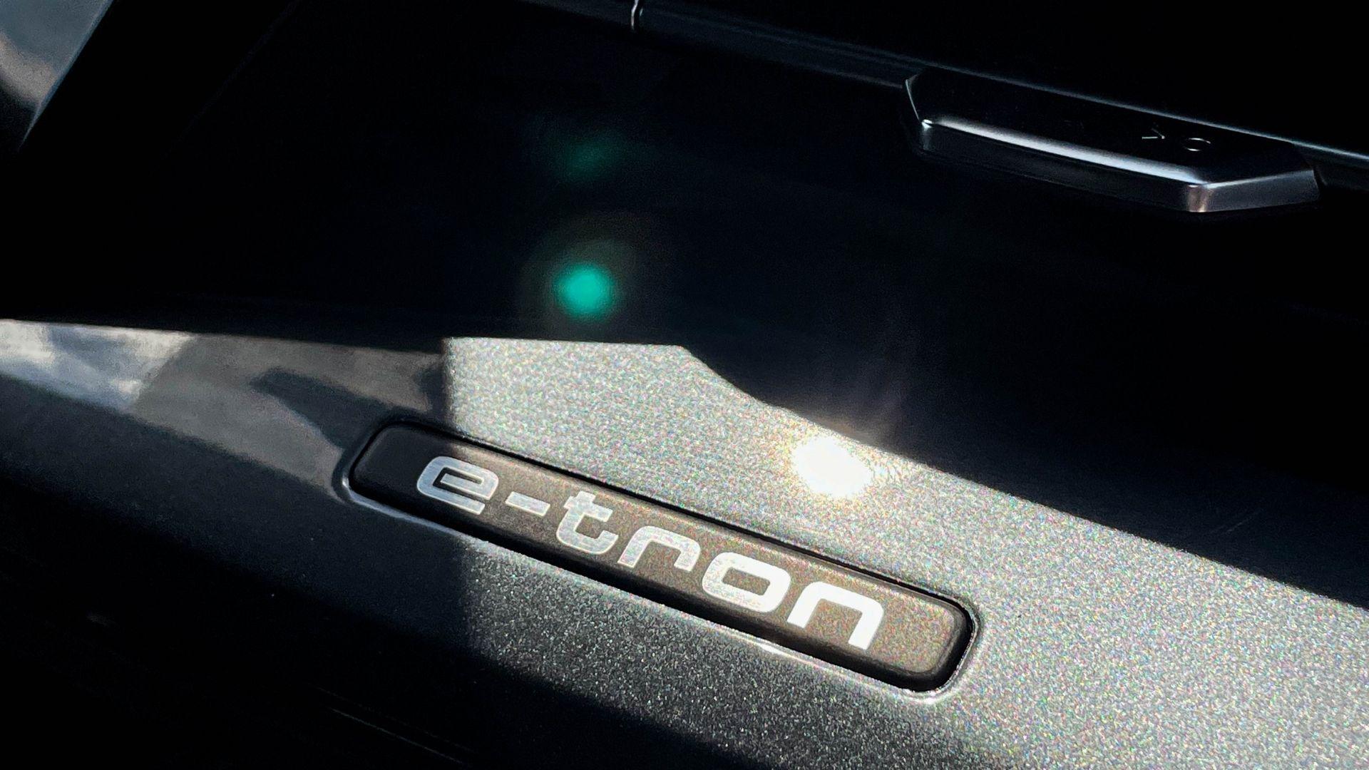 Audi-Q4-badge-e-tron