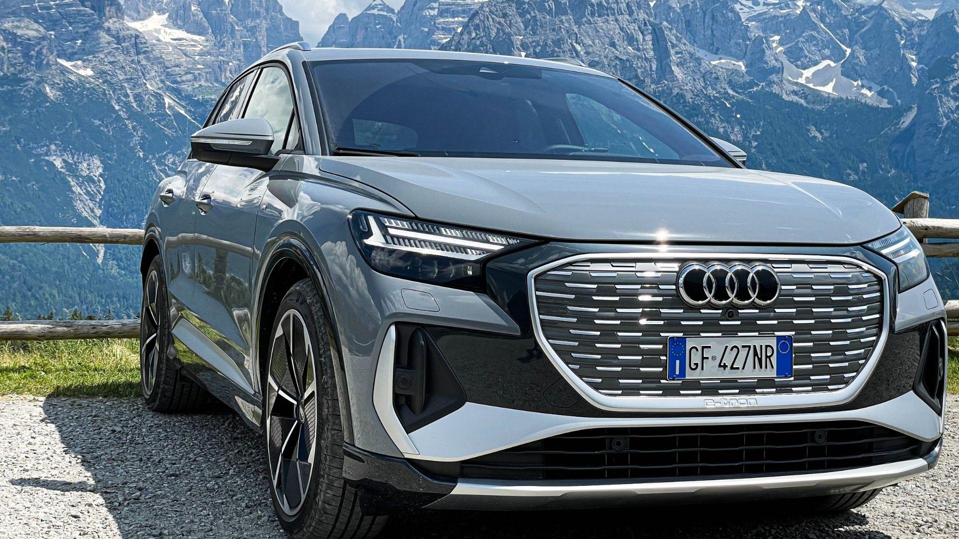 Audi-Q4-e-trona-anteriore-dolomiti