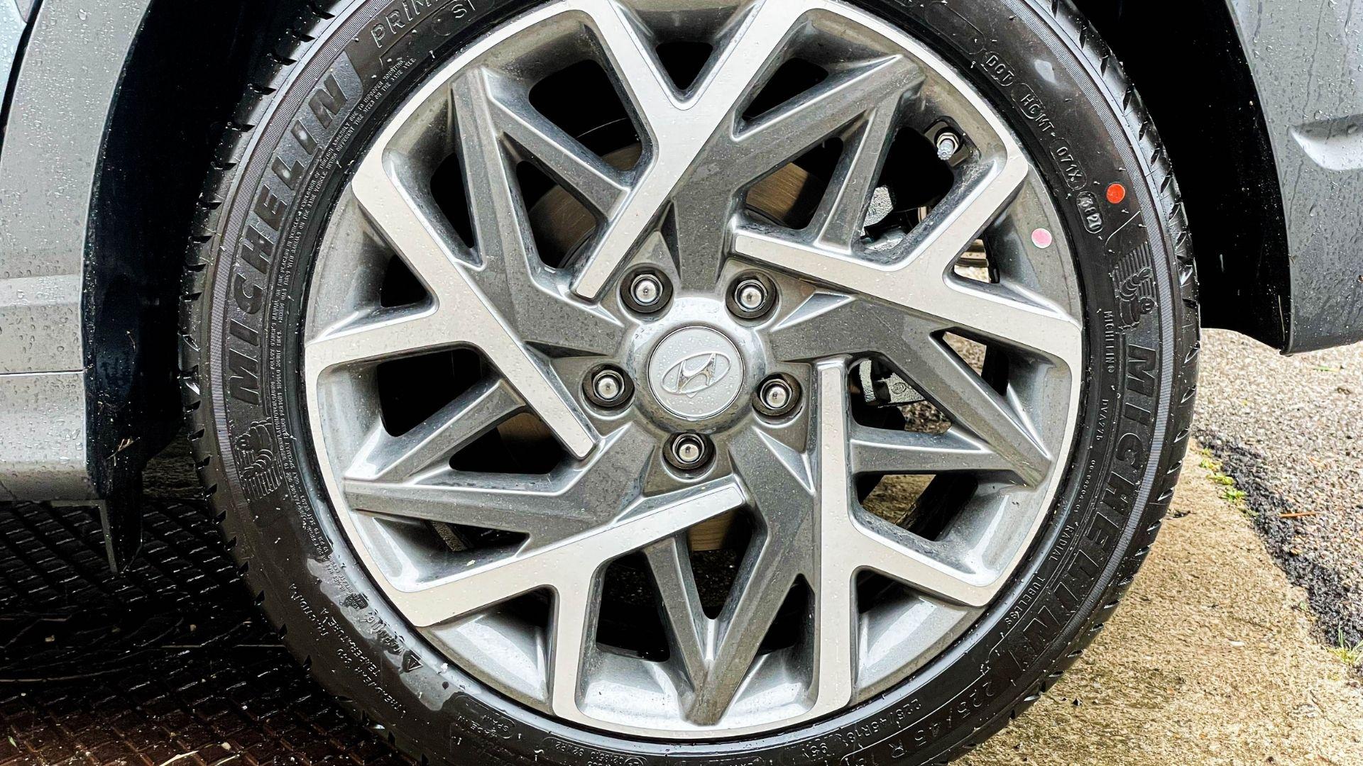 Hyundai-kona-Hybrid-cerchi