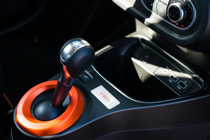 Renault-Twingo-Electric-cambio