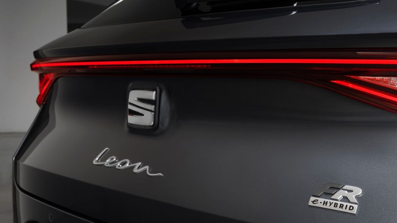 Seat-Leon-e-Hybrid-logo-FR