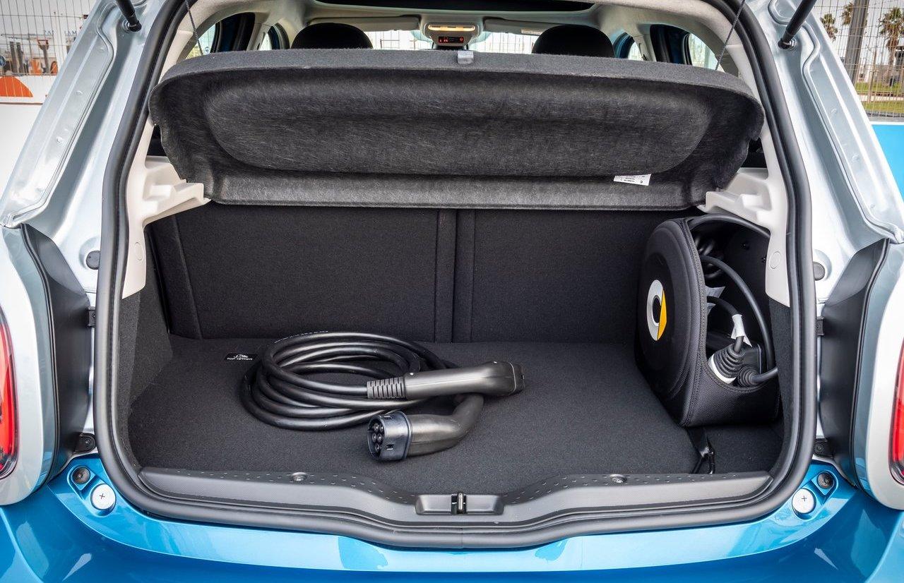 bagagliaio di smart forfour elettrica