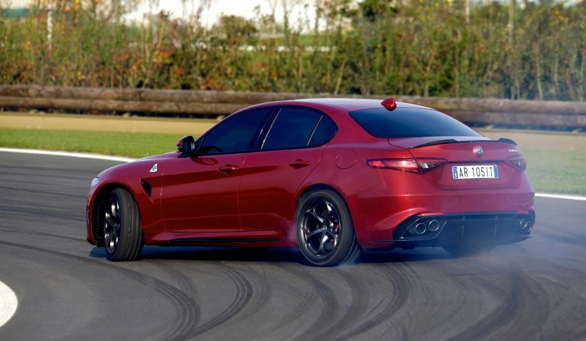 Alfa Romeo Giulia Quadrifoglio prestazioni