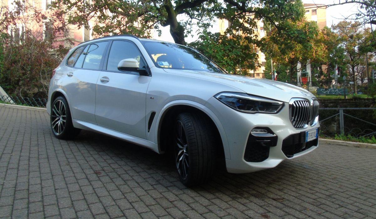 Nuova BMW X5 2020 bianca