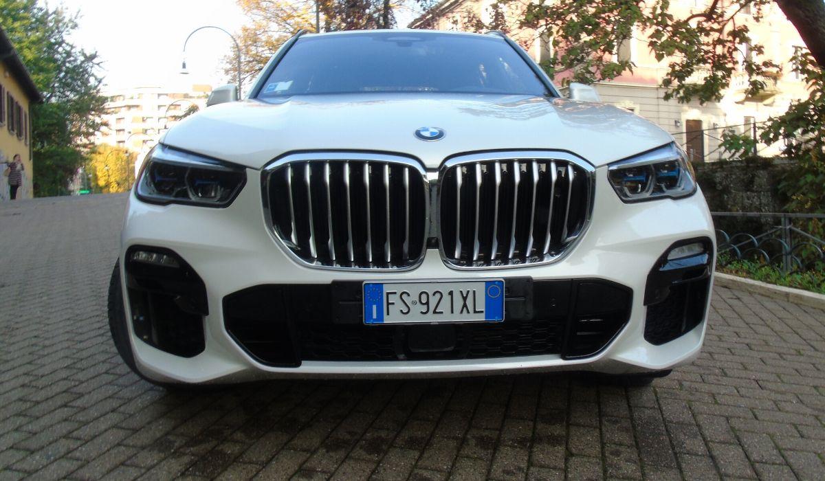 Nuova BMW X5 2020 frontale