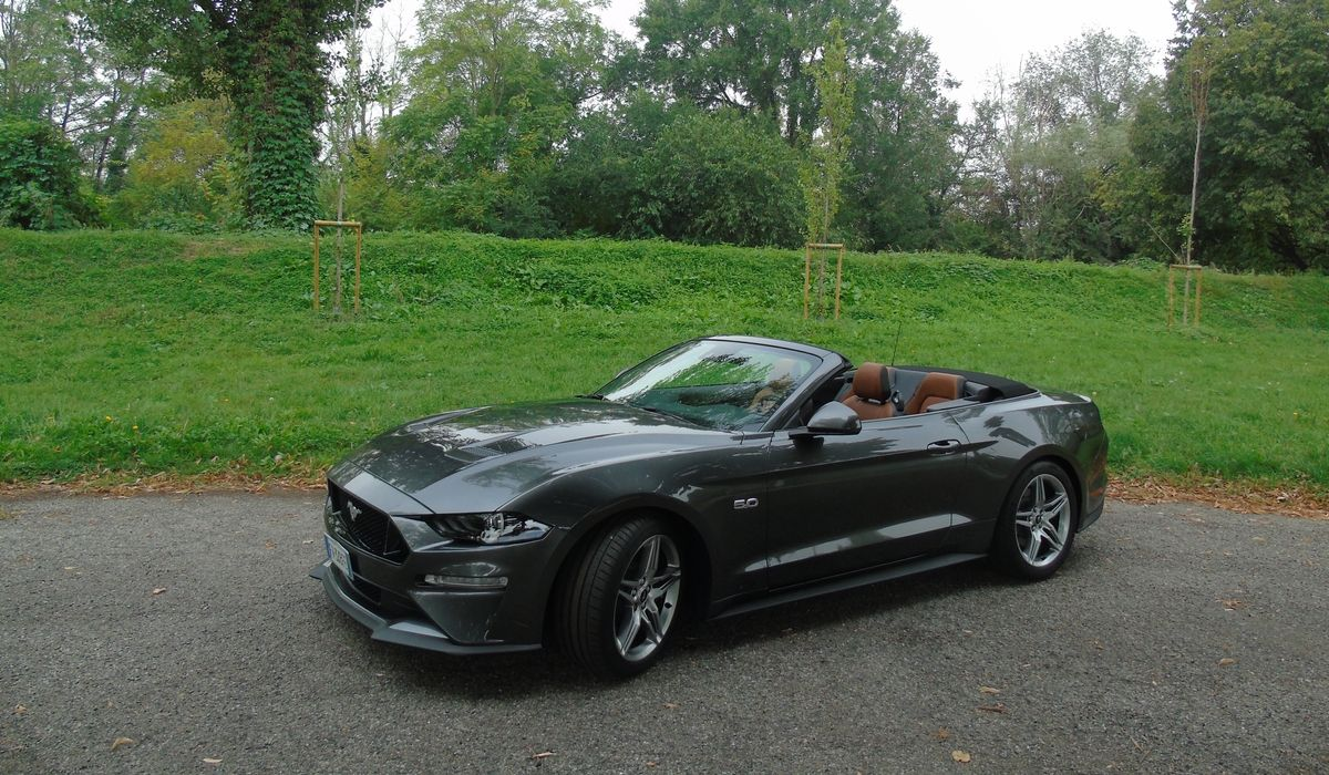 Nuova Ford Mustang Convertible 2020 test drive