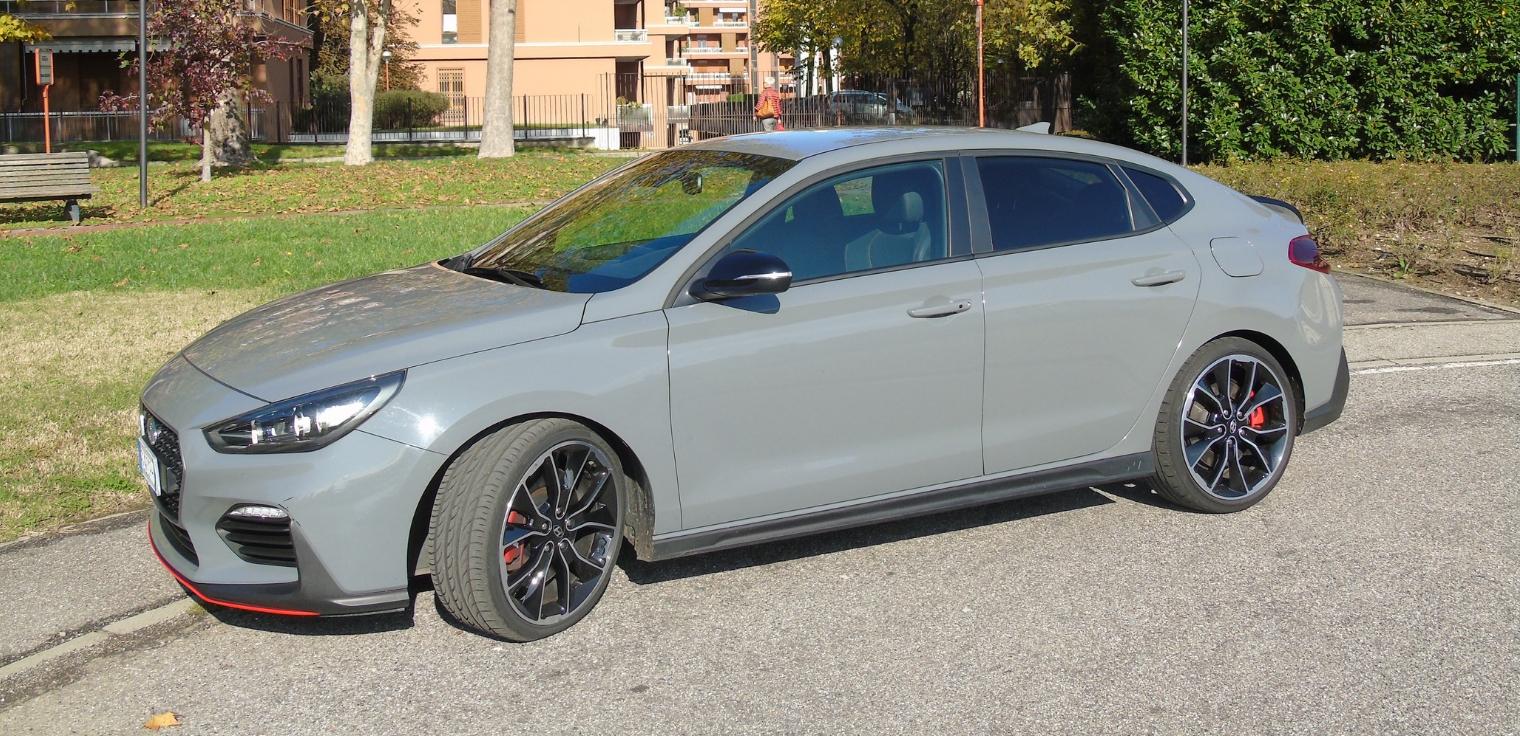 Nuova Hyundai i30 Fastback N 2020 prova su strada