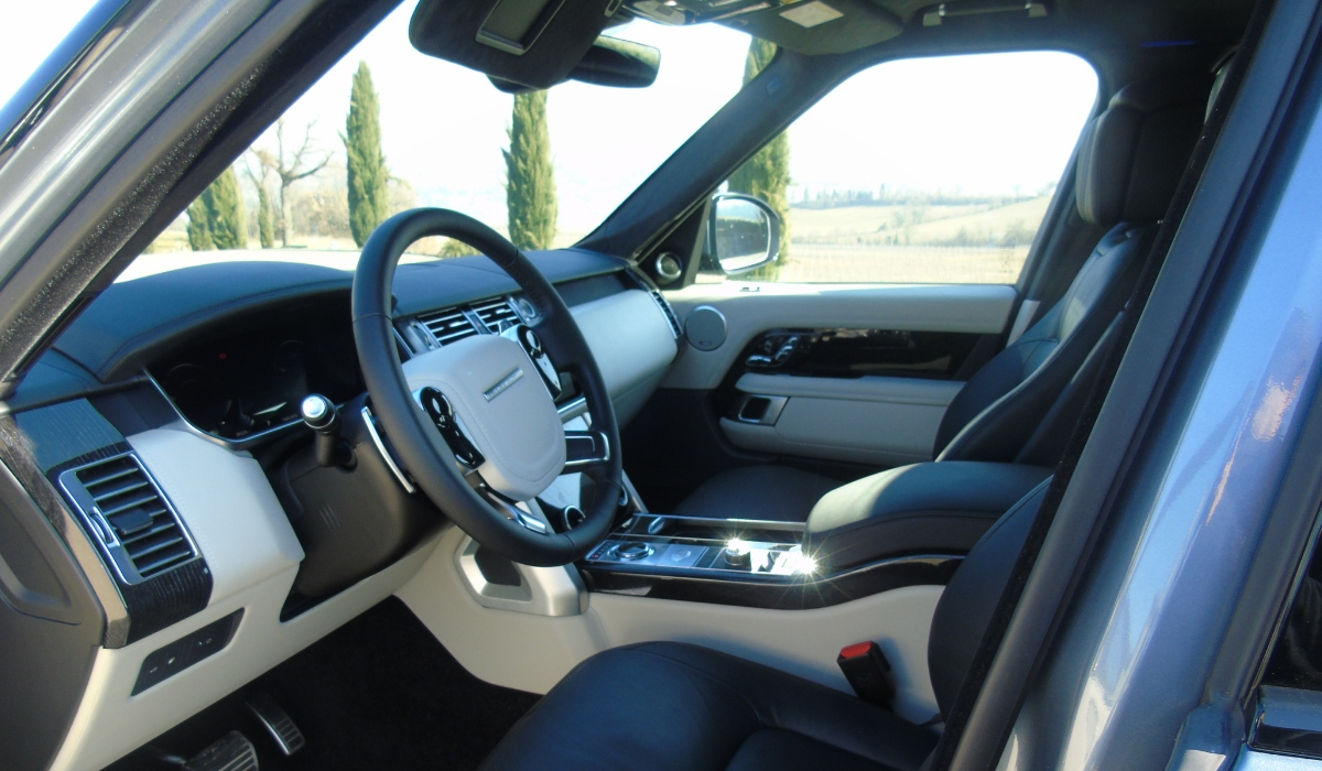 Land Rover Range Rover PHEV abitacolo