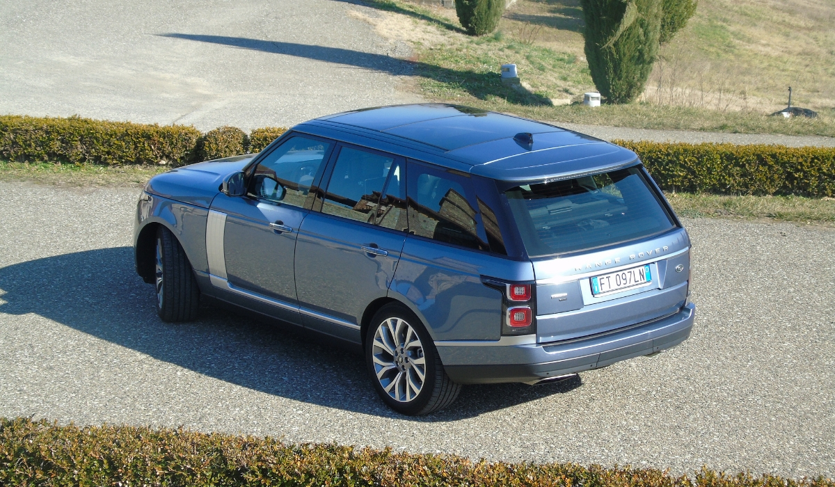 Land Rover Range Rover PHEV posteriore