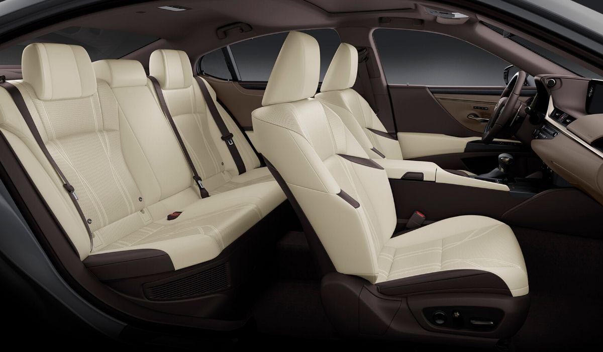Nuova Lexus ES 2020 abitacolo