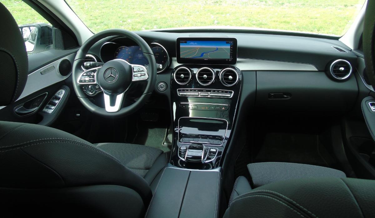 Nuova Mercedes Classe C 2019 abitacolo