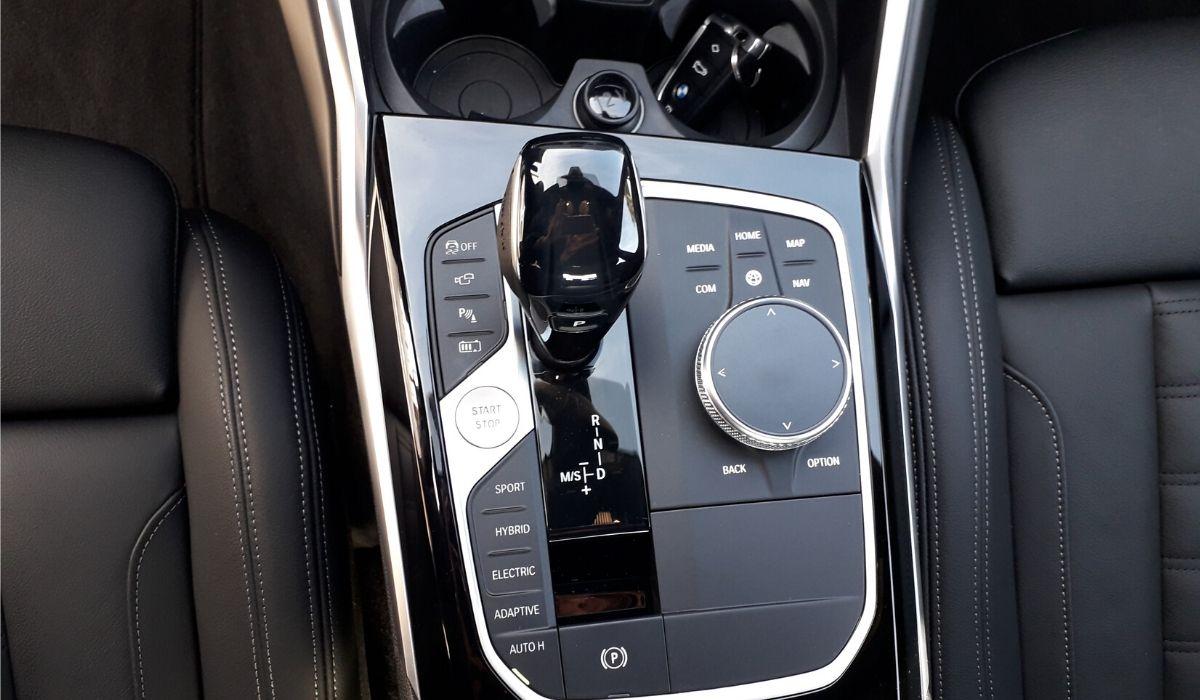Nuova BMW 330e 2020 cambio automatico
