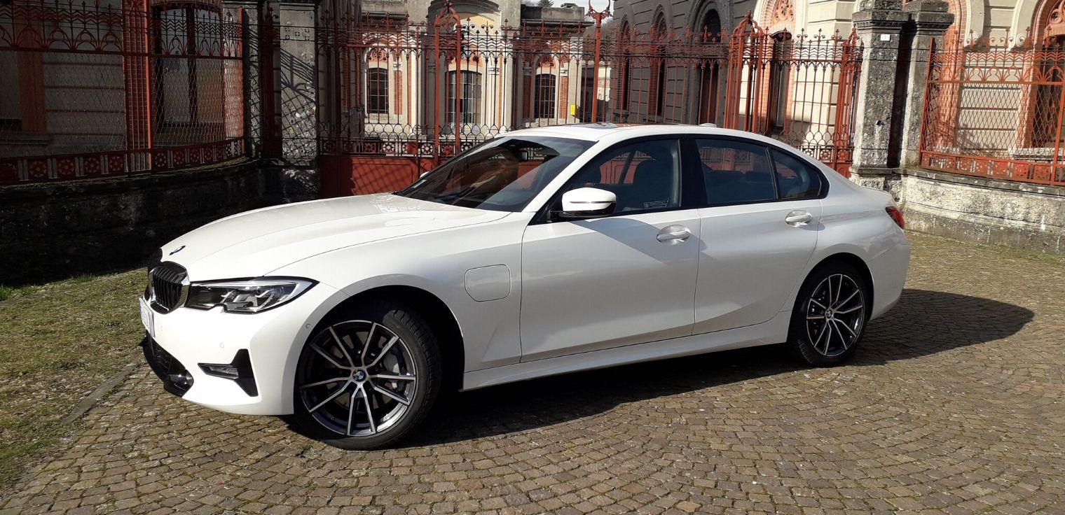 Nuova BMW 330e 2020 test drive