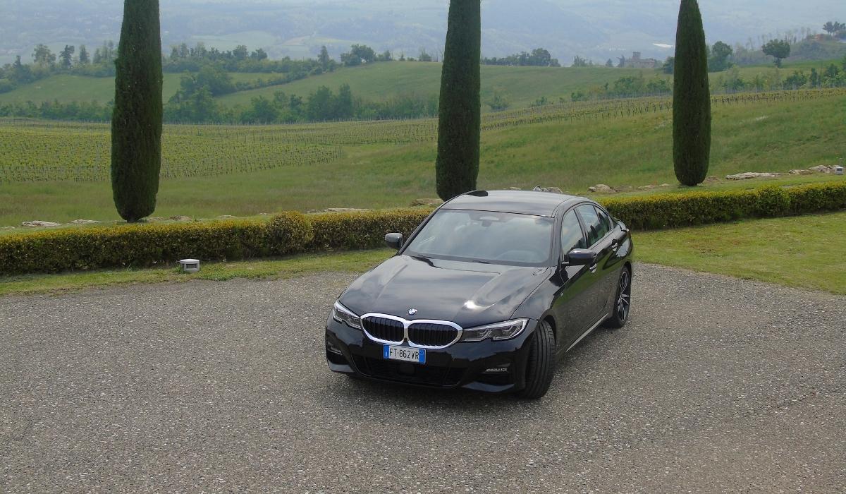 Nuova BMW Serie 3 nera