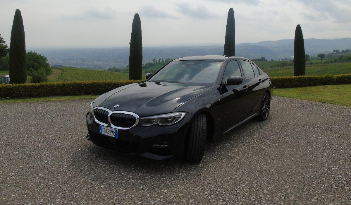Nuova BMW Serie 3 statica