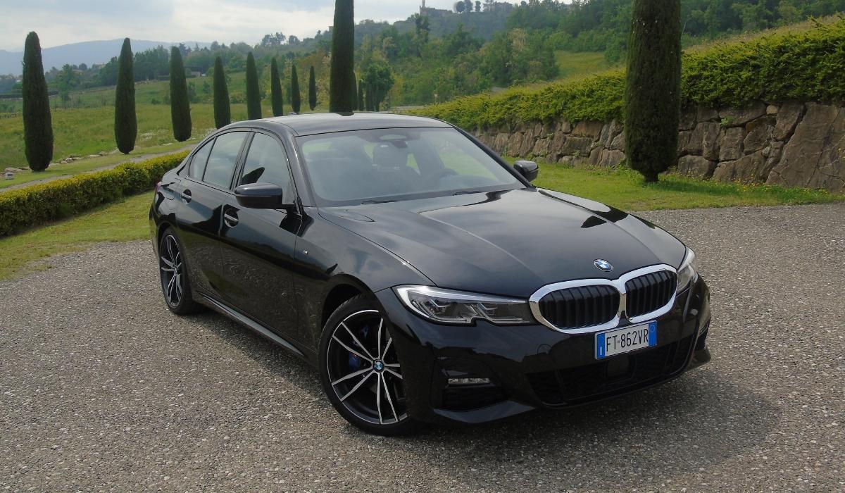 Nuova BMW Serie 3 trazione posteriore
