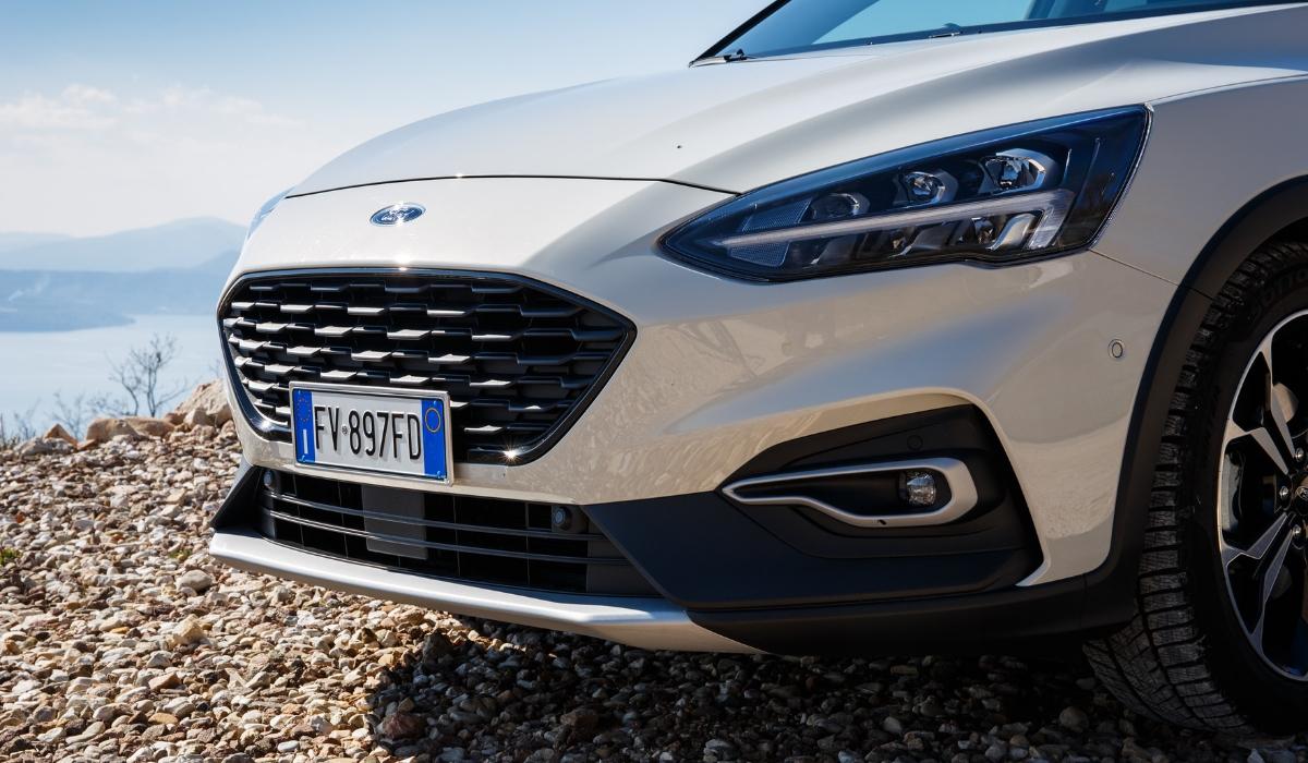 Nuova Ford Focus Active wagon 2019 griglia anteriore
