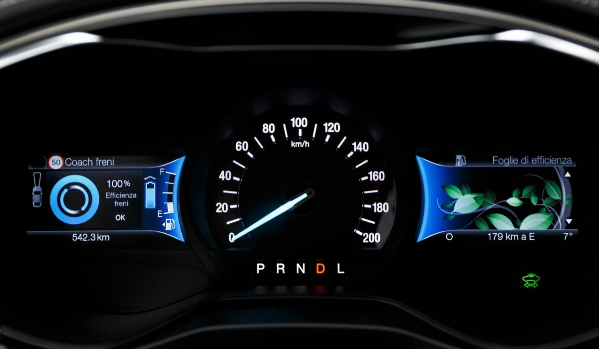 Nuova Ford Mondeo wagon hybrid 2019 quadro strumenti