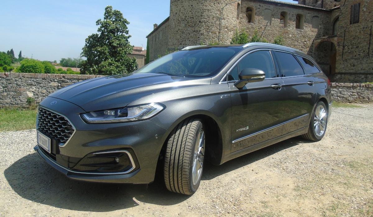 Nuova Ford Mondeo wagon hybrid 2019 statica