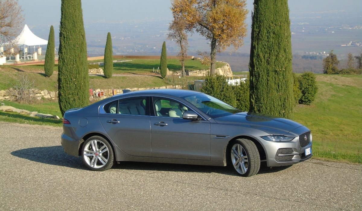 Nuova Jaguar XE 2020 design