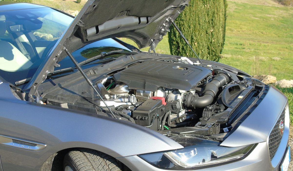 Nuova Jaguar XE 2020 motori