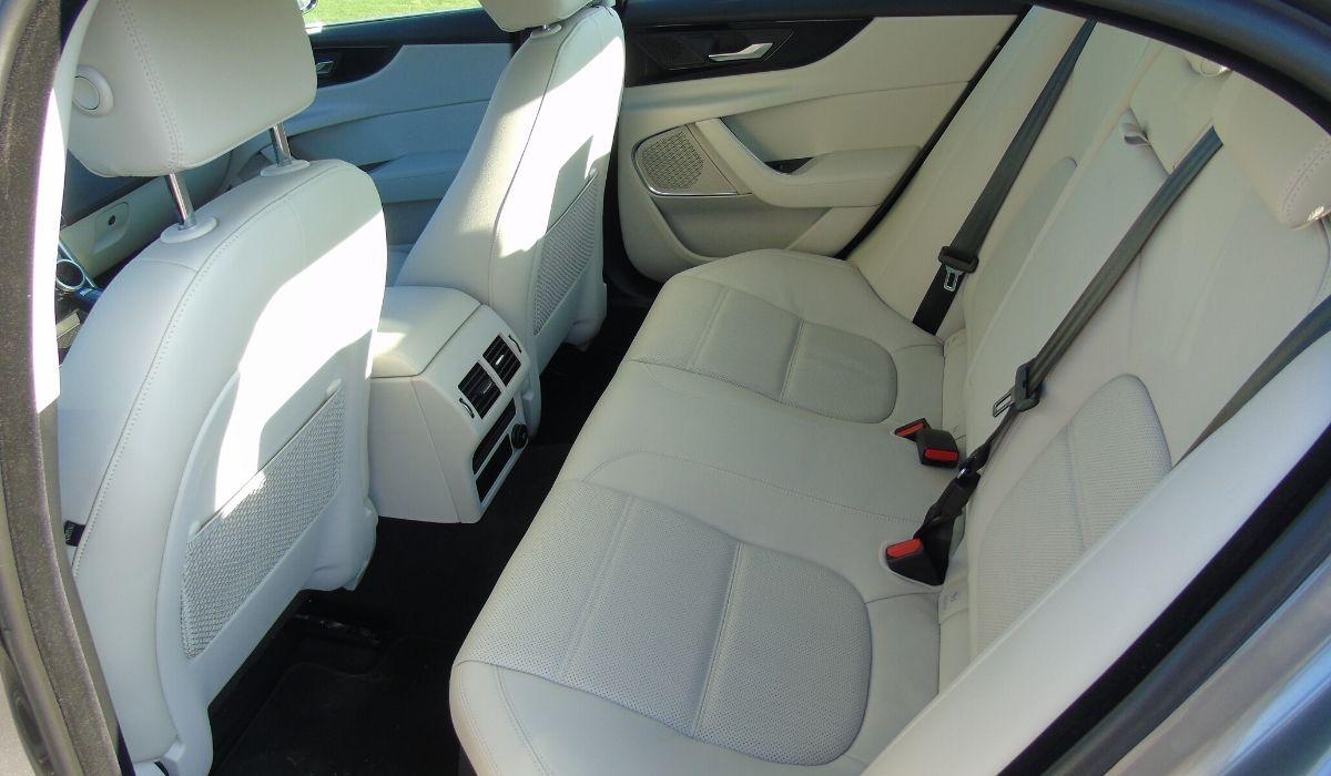 Nuova Jaguar XE 2020 sedili posteriori