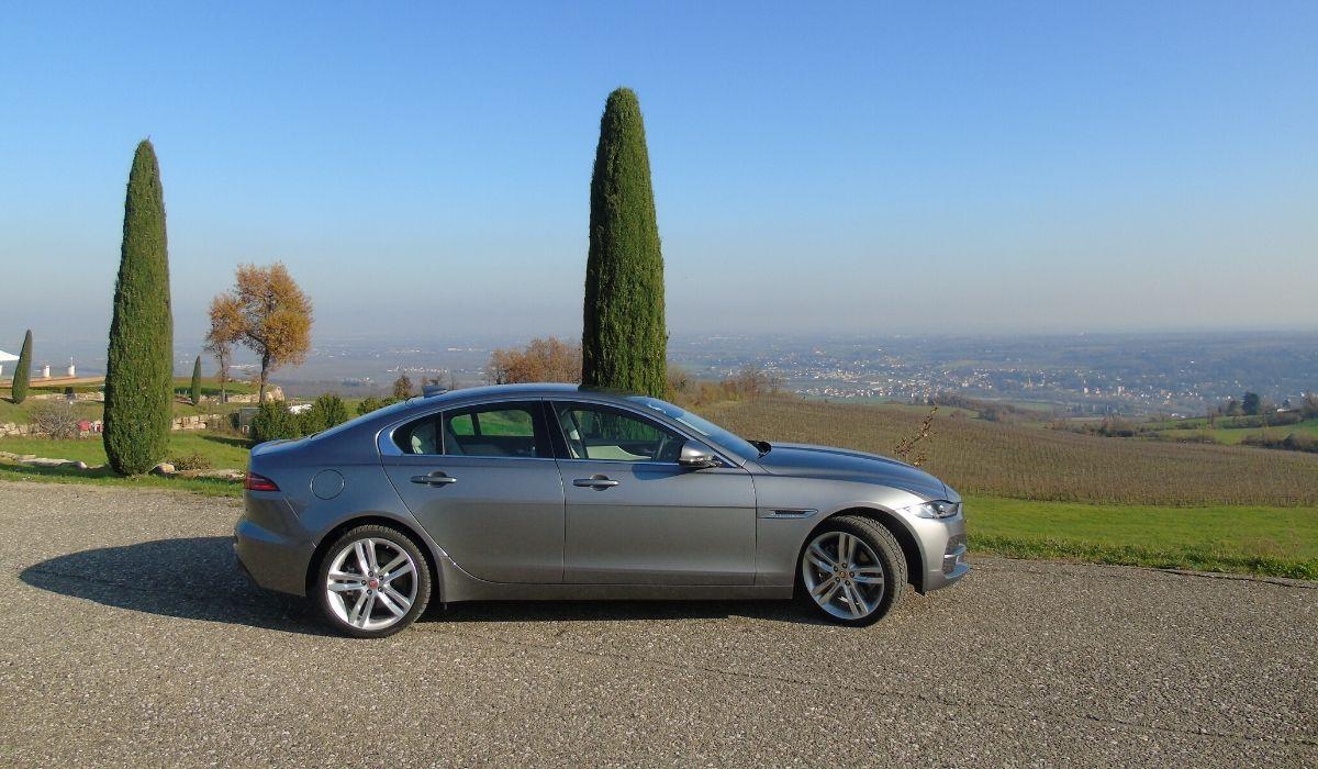 Nuova Jaguar XE 2020