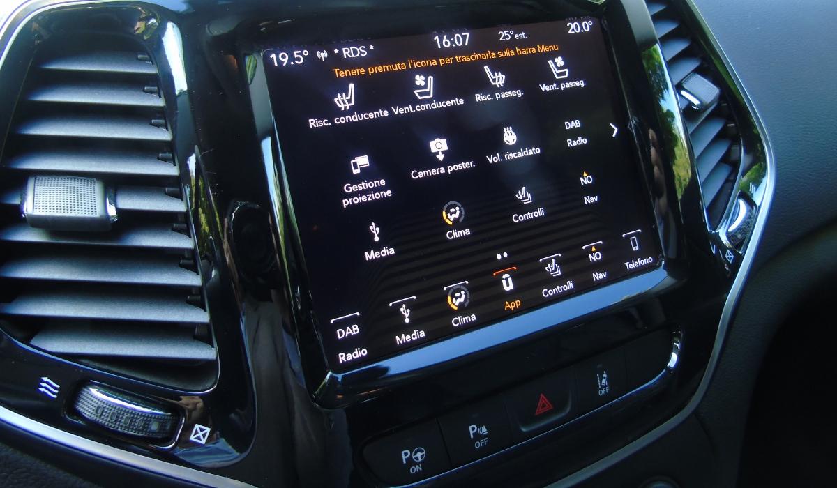 Nuova Jeep Cherokee 2019 sistema multimediale