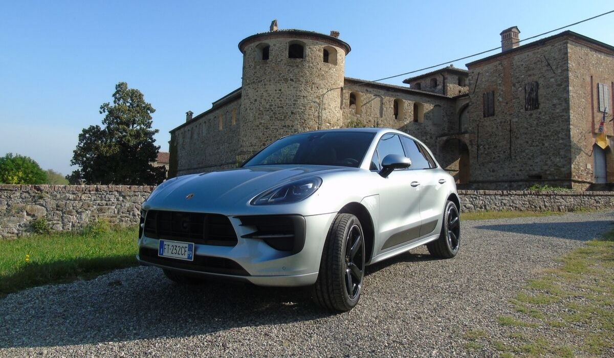 Nuova Porsche Macan 2020 prova su strada
