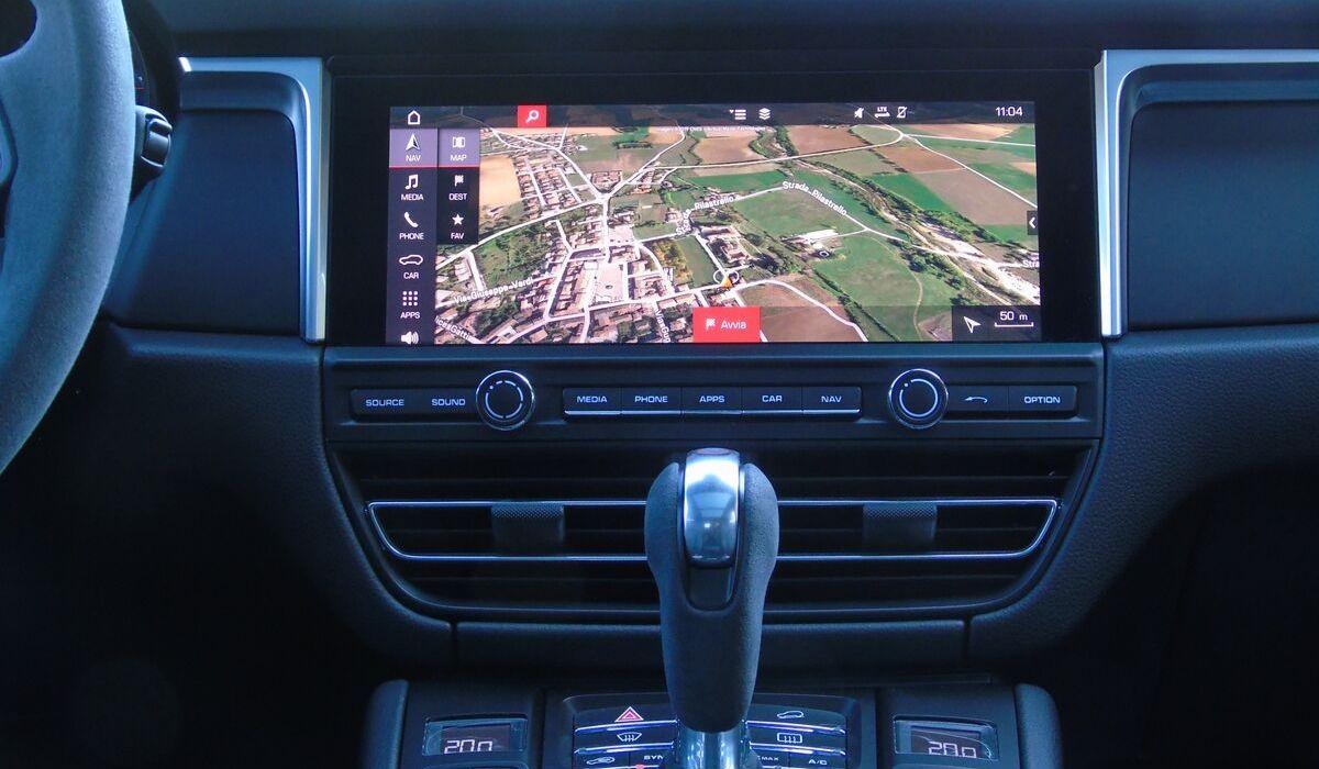 Nuova Porsche Macan 2020 sistema multimediale