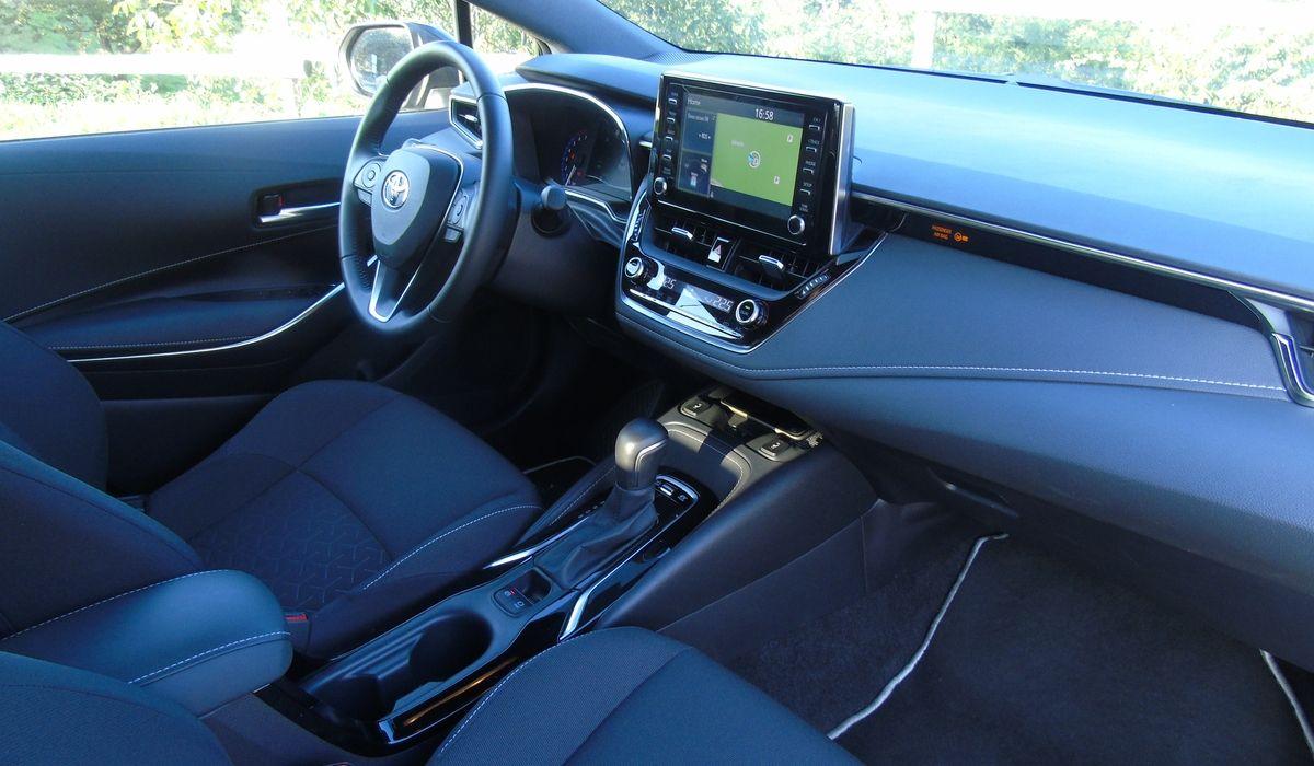 Nuova Toyota Corolla 2020 abitacolo