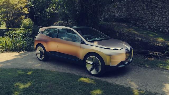 BMW iNext 2021 (3)