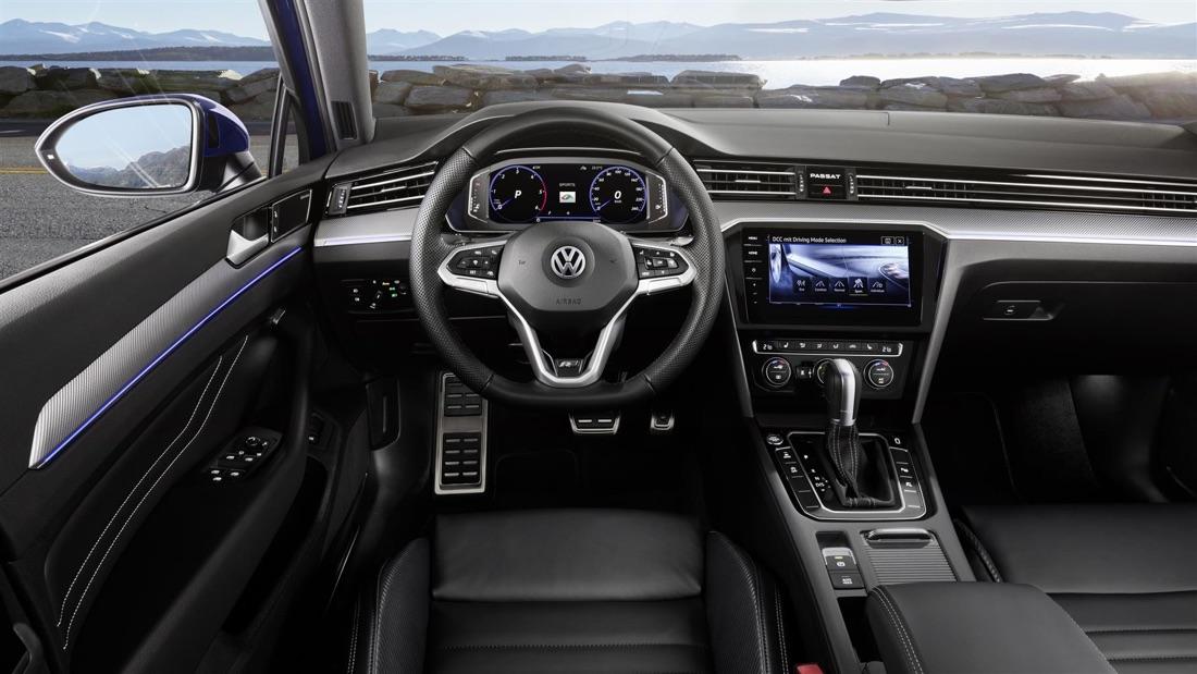 Interni di Volkswagen Passat restyling 2019