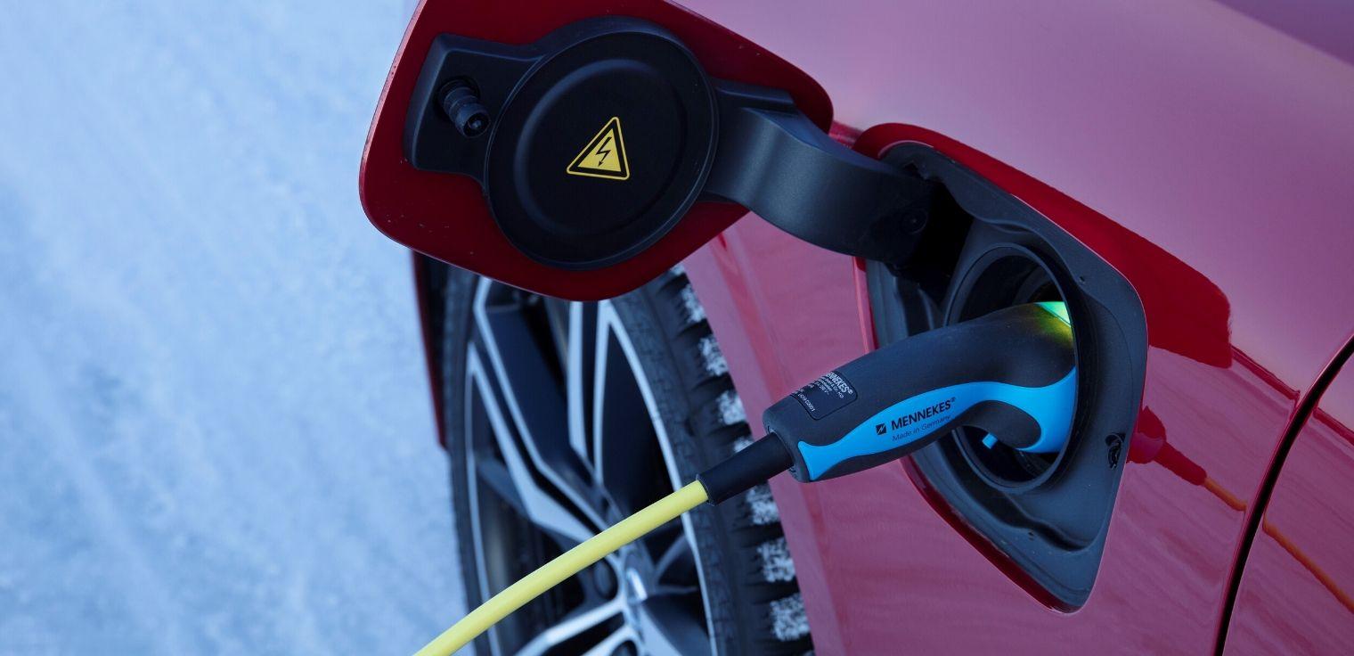 Nuova Volvo V60 2020 ibrida plug-in