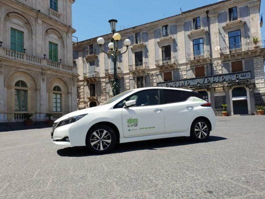 nissan e adduma insieme per il car sharing elettrico per turisti