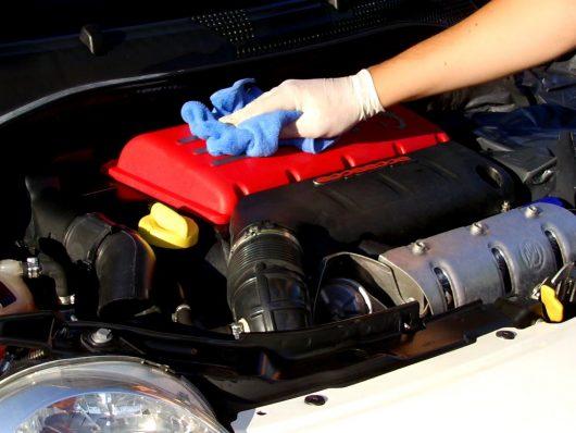 consigli per una corretta manutenzione dell'auto aziendale